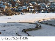 Купить «Вид на пойму Москвы-реки в Павшино зимой. Живописная набережная и коттеджный поселок Мякинино», эксклюзивное фото № 5541436, снято 26 января 2014 г. (c) Володина Ольга / Фотобанк Лори