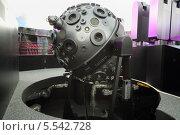 Купить «Устройство для проекта изображения звездного неба на куполе планетария. Москва», фото № 5542728, снято 15 июня 2012 г. (c) Losevsky Pavel / Фотобанк Лори
