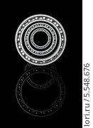 Купить «Три шарикоподшипника в ряд на оси с отражением на темном фоне», иллюстрация № 5548676 (c) Александр Степанов / Фотобанк Лори