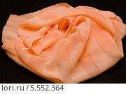 Купить «Шарфик персикового цвета», фото № 5552364, снято 18 декабря 2013 г. (c) Morgenstjerne / Фотобанк Лори