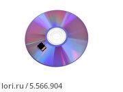 Купить «CD-диск  и карта памяти. Варианты хранения информации», эксклюзивное фото № 5566904, снято 8 февраля 2014 г. (c) Юрий Морозов / Фотобанк Лори
