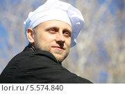Купить «Портрет молодого повара», эксклюзивное фото № 5574840, снято 25 мая 2013 г. (c) Вероника / Фотобанк Лори