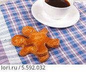 Чашка кофе с имбирными пряниками. Стоковое фото, фотограф Денис Афонин / Фотобанк Лори