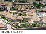 Купить «Вид на крыши жилых домов в центре Рима. Италия», фото № 5592344, снято 30 июля 2013 г. (c) Олег Тыщенко / Фотобанк Лори