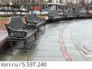 Лавочки на Театральной площади, Москва (2014 год). Стоковое фото, фотограф Николай Голиков / Фотобанк Лори