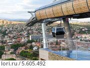 Купить «Верхняя станция канатной дороги в Тбилиси. Грузия», фото № 5605492, снято 3 июля 2013 г. (c) Евгений Ткачёв / Фотобанк Лори