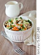 Купить «Салат с курицей, морковью, яйцами и огурцами», фото № 5607240, снято 19 мая 2011 г. (c) Татьяна Пинчук / Фотобанк Лори