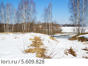 Купить «Весенний сельский пейзаж с рекой», эксклюзивное фото № 5609828, снято 16 апреля 2013 г. (c) Елена Коромыслова / Фотобанк Лори
