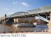 Купить «Мост Богдана Хмельницкого. Москва», фото № 5611132, снято 8 августа 2013 г. (c) Наталья Волкова / Фотобанк Лори