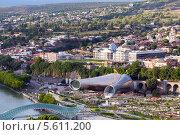 Купить «Вид на центральный парк Рике и президентский дворец. Тбилиси. Грузия», фото № 5611200, снято 3 июля 2013 г. (c) Евгений Ткачёв / Фотобанк Лори