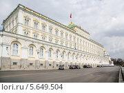 Купить «Большой Кремлёвский дворец», фото № 5649504, снято 24 апреля 2012 г. (c) Losevsky Pavel / Фотобанк Лори