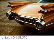 Купить «Задняя часть старинного автомобиля», фото № 5658316, снято 23 июня 2008 г. (c) Сергей Колесников / Фотобанк Лори