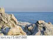 Белые скалы на берегу Черного моря. Абхазия. Стоковое фото, фотограф Сергей / Фотобанк Лори
