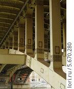 Металлоконструкция опор пролёта моста. Стоковое фото, фотограф Сергей Хаменок / Фотобанк Лори