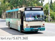 Купить «Автобус Den Oudsten B88, Сухум, Абхазия», фото № 5671360, снято 23 июля 2009 г. (c) Art Konovalov / Фотобанк Лори