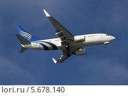 Купить «Самолет Royal Jet Airlines Boeing 737-7Z5(BBJ) (бортовой номер A6-RJZ) заходит на посадку», эксклюзивное фото № 5678140, снято 8 февраля 2014 г. (c) Алексей Гусев / Фотобанк Лори
