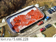 Купить «Спортивная площадка у жилого дома», фото № 5686228, снято 9 марта 2014 г. (c) Окунев Александр Владимирович / Фотобанк Лори