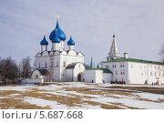 Купить «Суздаль. Кремль. Рождественский собор и архиерейские палаты», фото № 5687668, снято 1 марта 2014 г. (c) Gagara / Фотобанк Лори