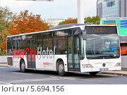 Купить «Автобус Mercedes-Benz O530 Citaroю Франкфурт на Майне. Германия», фото № 5694156, снято 13 сентября 2013 г. (c) Art Konovalov / Фотобанк Лори