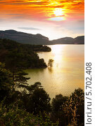Купить «Вертикальный пейзаж с горным озером», фото № 5702408, снято 2 июля 2013 г. (c) Яков Филимонов / Фотобанк Лори