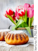 Купить «Бабка - традиционный пасхальный торт, популярный в Восточной Европе. Это традиционно пекут на Пасху воскресенье в Польше, Болгарии, Македонии и Албании», фото № 5702916, снято 20 июля 2018 г. (c) BE&W Photo / Фотобанк Лори