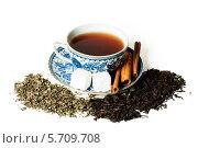 Голубая и белая чашка с сахаром и корицей в блюдце гжель и рассыпанным чаем. Стоковое фото, фотограф Евгения Семенова / Фотобанк Лори