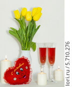 Цветы натюрморт со свечами. Стоковое фото, фотограф Виктор Шушурин / Фотобанк Лори