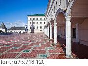 Купить «Территория казанского кремля», фото № 5718120, снято 15 марта 2014 г. (c) Parmenov Pavel / Фотобанк Лори