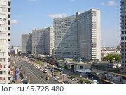 Новый Арбат в Москве, Россия (2013 год). Редакционное фото, фотограф Losevsky Pavel / Фотобанк Лори