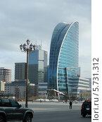 Купить «Современное здание в Улан-Баторе», фото № 5731312, снято 19 марта 2014 г. (c) Саломатников Владимир / Фотобанк Лори