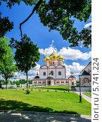 Купить «Успенский собор Иверского монастыря на Валдае», фото № 5741224, снято 14 ноября 2019 г. (c) Зезелина Марина / Фотобанк Лори