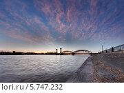 Финляндский железнодорожный мост в Петербурге на закате (2014 год). Стоковое фото, фотограф Алексей Марголин / Фотобанк Лори