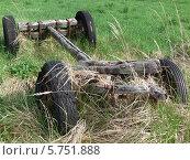 Телега в поле. Стоковое фото, фотограф Jakob Sergejew / Фотобанк Лори