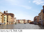 Купить «Классический вид на канал в Венеции. Италия», фото № 5769128, снято 4 ноября 2013 г. (c) Евгений Ткачёв / Фотобанк Лори