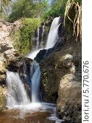 Купить «Водопад Красный ручей (Fairy stream)», фото № 5770676, снято 22 января 2014 г. (c) макаров виктор / Фотобанк Лори