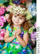 Девочка с гортензиями. Стоковое фото, фотограф Анна Макеичева / Фотобанк Лори
