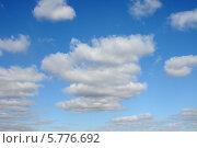 Купить «Красивые облака на синем небе», эксклюзивное фото № 5776692, снято 5 апреля 2014 г. (c) Юрий Морозов / Фотобанк Лори
