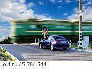 Железнодорожный  переезд. Стоковое фото, фотограф Сергей Огарёв / Фотобанк Лори