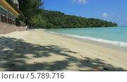 Тропический пляж Три Транг на Пхукете (Tri Trang) (2013 год). Стоковое видео, видеограф Roman Likhov / Фотобанк Лори