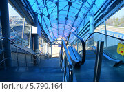 Симферополь, выход на перрон  к электричкам (2013 год). Стоковое фото, фотограф Галина  Горбунова / Фотобанк Лори