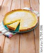 Купить «лимонный пирог», фото № 5791096, снято 10 января 2019 г. (c) Food And Drink Photos / Фотобанк Лори