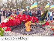 Купить «Памятник неизвестному матросу. 70-я годовщина освобождения Одессы от немецко-фашистских захватчиков», фото № 5794632, снято 10 апреля 2014 г. (c) KEN VOSAR / Фотобанк Лори