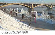 Купить «Зимний суриковский фестиваль 2014 года. Город Красноярск», видеоролик № 5794860, снято 18 января 2014 г. (c) Ирина Егорова / Фотобанк Лори