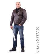 Купить «Мужчина в кожаной куртке с бейсбольной битой», фото № 5797160, снято 24 ноября 2013 г. (c) Elnur / Фотобанк Лори