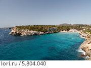 Скалистый берег моря с лазурной водой (2013 год). Стоковое фото, фотограф Олег Прокофьев / Фотобанк Лори