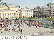 Купить «Театральная площадь», эксклюзивное фото № 5804116, снято 9 мая 2013 г. (c) Алёшина Оксана / Фотобанк Лори