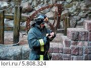 Пожар, Генацвале, автостоянка, паркинг, пожарная, машина, пожарник, ресторан, Москва, Арбат (2014 год). Редакционное фото, фотограф Alexnios / Фотобанк Лори