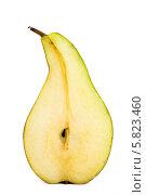 Купить «Разрезанная груша на белом фоне», фото № 5823460, снято 18 апреля 2014 г. (c) V.Ivantsov / Фотобанк Лори