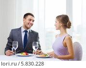 Купить «Влюбленные отмечают знаменательную дату в ресторане», фото № 5830228, снято 9 марта 2014 г. (c) Syda Productions / Фотобанк Лори