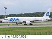 Купить «Самолет Aircraft Boeing-757-200», фото № 5834852, снято 14 января 2014 г. (c) Андрей Радченко / Фотобанк Лори